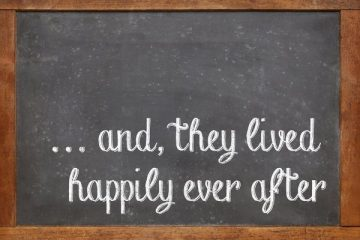 "Blackboard on which ""... and they lived happily ever after"" is written in chalk"